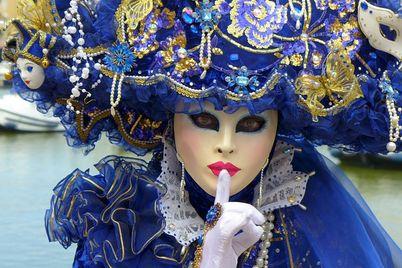 Risultato immagini per maschere veneziane